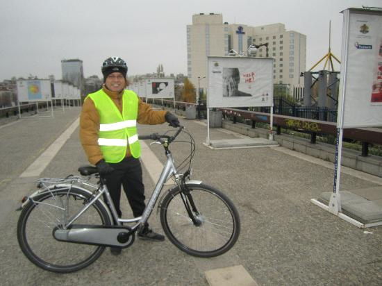 Riding a Hilton Sofia bike