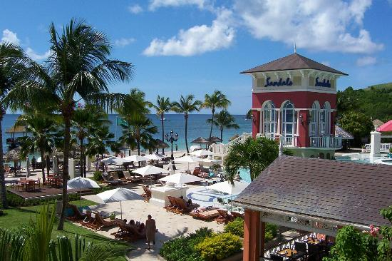 Sandals Grande St. Lucian Spa & Beach Resort: Taken from lobby