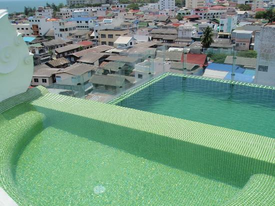 Chalelarn Hotel Hua Hin: Roof top pool