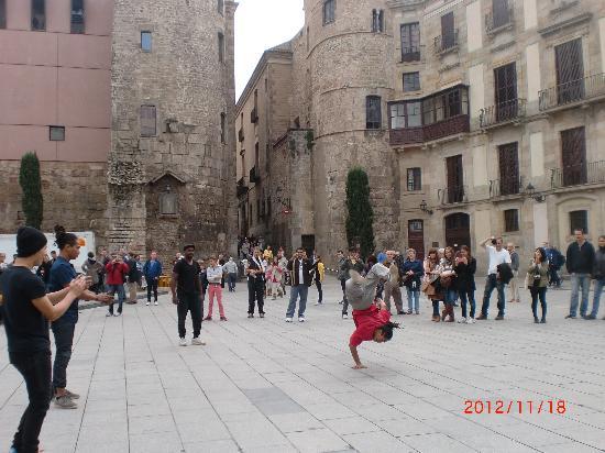 Catalonia Catedral: Nærmiljø med yrende folkeliv