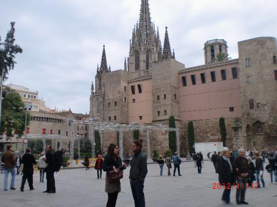 Catalonia Catedral: nærmiljø