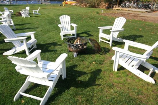 Nonantum Resort: Resort Backyard Fire Pit