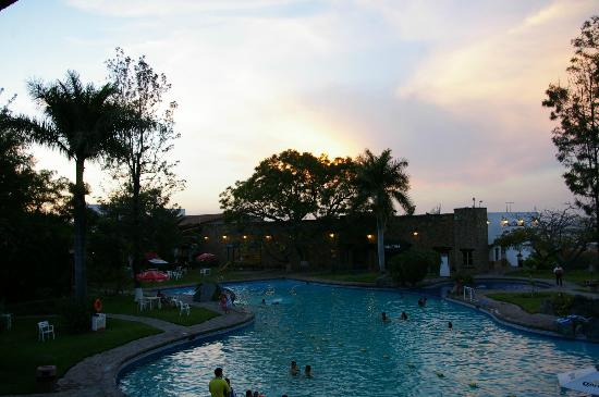 Hotel El Tapatio & Resort: Atardecer
