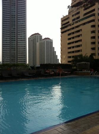 La piscine picture of rembrandt hotel bangkok bangkok tripadvisor - Hotel bangkok piscina ...