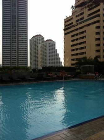 Rembrandt Hotel Bangkok: la piscine