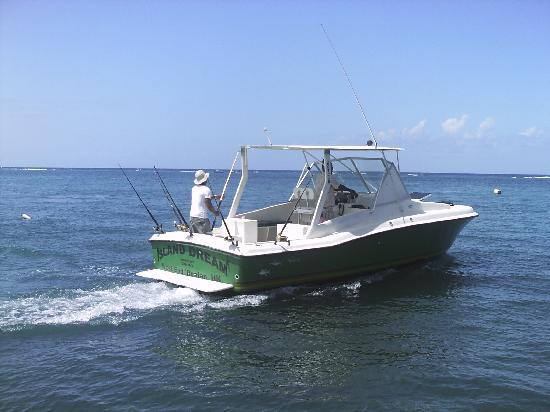 Roatan Anglers - Fishing Day Charters: Roatan Anglers