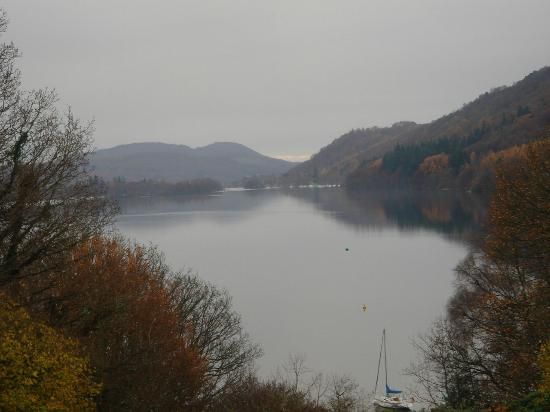 Cragwood Country House Hotel: View of the lake from our room