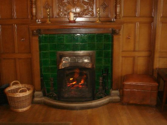 Cragwood Country House Hotel : Warm log fire