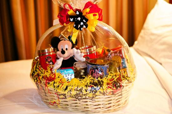 Disney's Grand Californian Hotel & Spa: basket ordered from vacationplanning@disneyonline.com