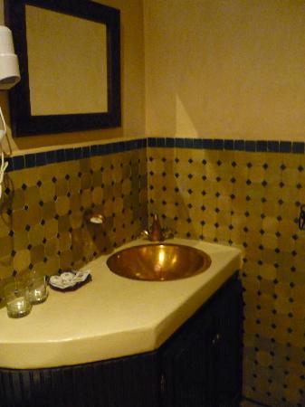 Riad Yacout: Baño