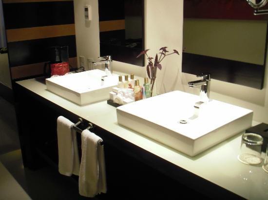 Secrets Huatulco Resort & Spa: Detalle del baño