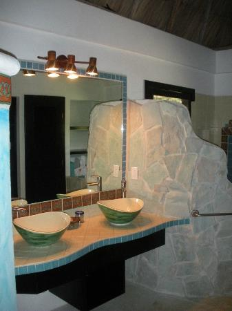 Matachica Beach Resort: Washroom - Aqua Casista