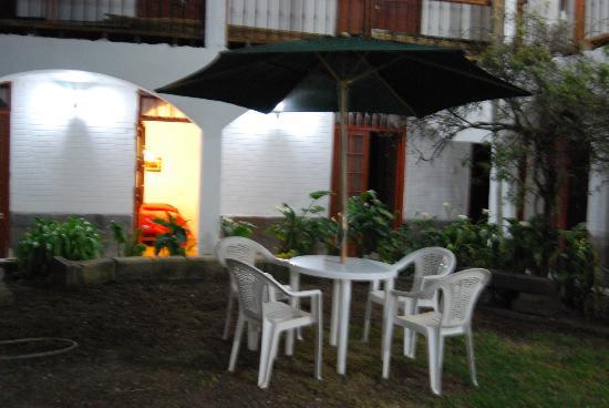 Hostal El Solar: Jardin