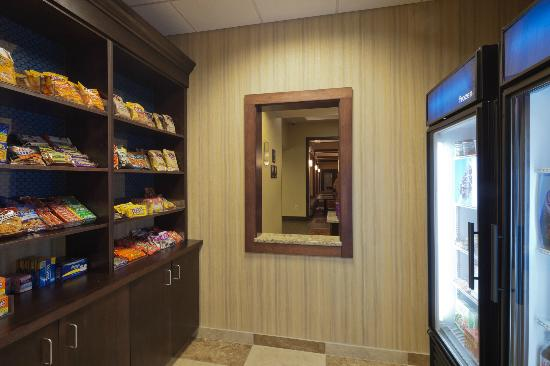 Hampton Inn Beloit: Suite Shop