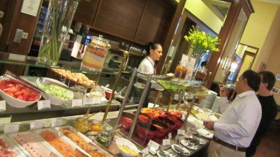 Polonia Palace Hotel: Great buffet!