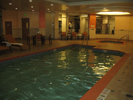 Courtyard by Marriott San Francisco Downtown: pool & spa