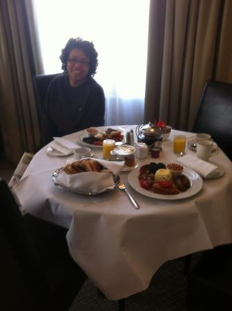 Taj 51 Buckingham Gate Suites and Residences: breakfast of kings!