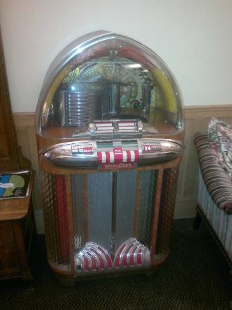 Aida Hotel: jukebox in the hall