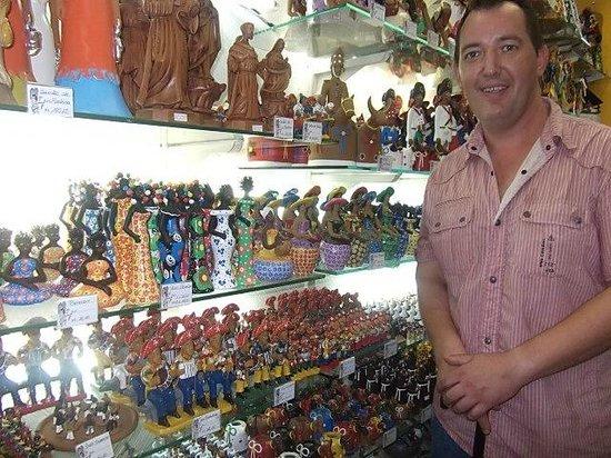 Pernambuco House of Culture: Numa loja cheia de cor...