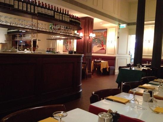 le Relais de Venise L'entrecote: bar area