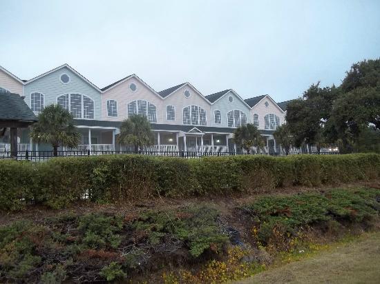Wyndham Ocean Ridge: Outside of condo