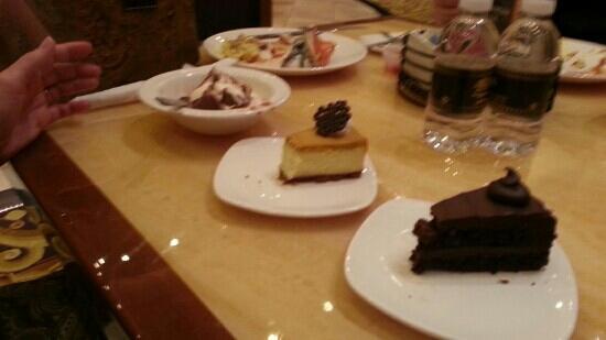 Hollywood Casino Toledo: desserts!