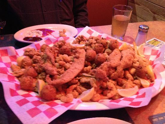 Mesquite, TX: Razzoo's Jaws Seafood Platter