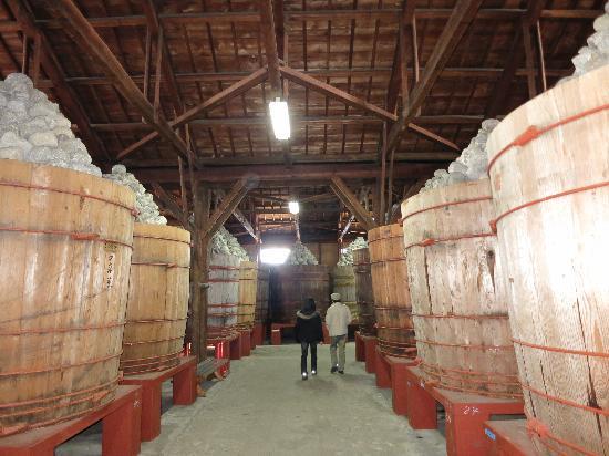 Hacchomisonosato (Kakukyu) : 巨大な樽