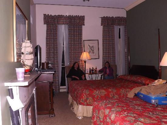 River Street Inn: our room 405