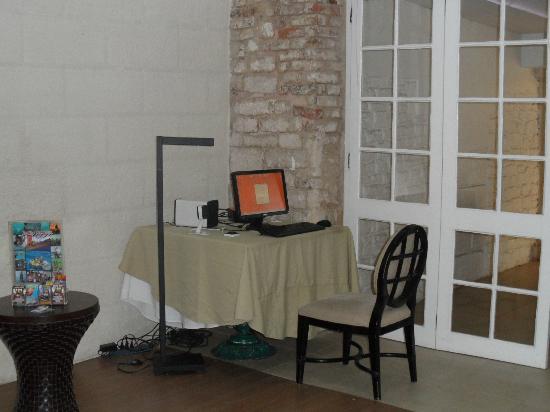 Island Inn Hotel: Complimentary internet