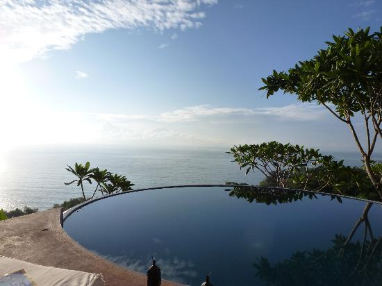 Anamaya Resort & Retreat Center: infinity pool!