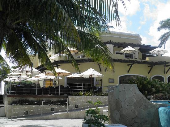 Royal Hideaway Playacar: deck