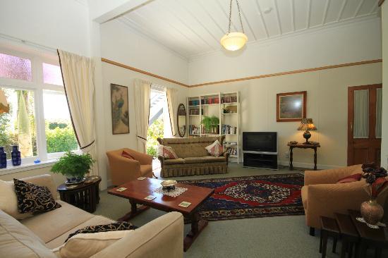 Braemar House: drawing room B&B