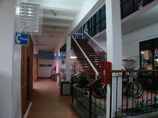 BEST WESTERN PLUS Sandcastle Beachfront Hotel: mall