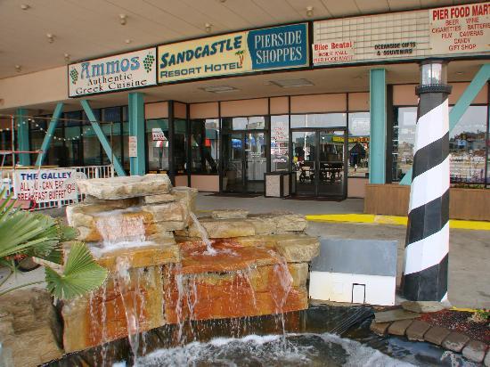 BEST WESTERN PLUS Sandcastle Beachfront Hotel: Sandcastle entrance