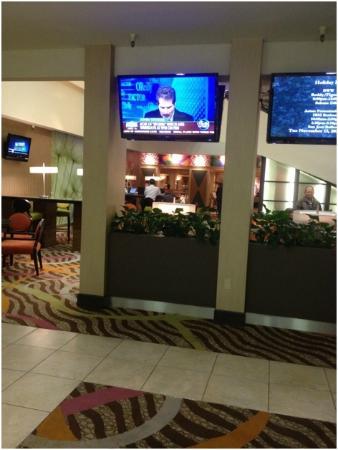 هوليداي إن سان خوسيه - سيليكون فالي: Renovated lobby area, not bad