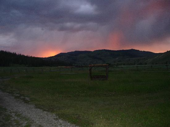Nine Quarter Circle Ranch: Sunset from our cabin