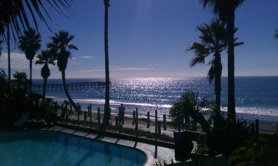 Pacific Terrace Hotel: the view from our balcony