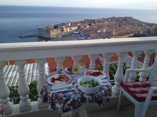 Apartments & Rooms Dijana: balcony big enough to sit and eat and did I mention the view WOW
