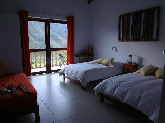 Gocta Andes Lodge : our room, simple, clean, and inviting