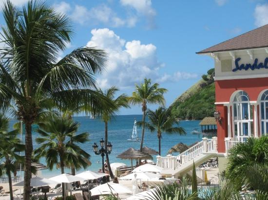 Sandals Grande St. Lucian Spa & Beach Resort: View from lobby
