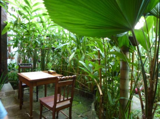 Shewe Wana Suite Resort: Breakfast area
