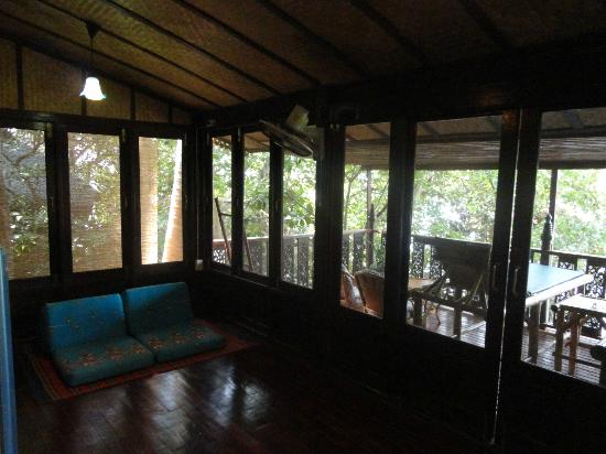 Charm Churee Villa: Sitting area