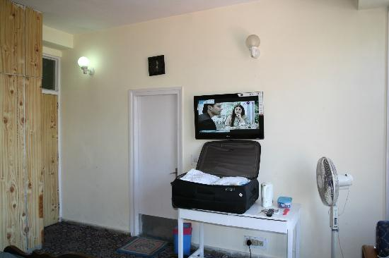 1)3700 Room in Old building and very old interior 2) Have big LCD TV ...