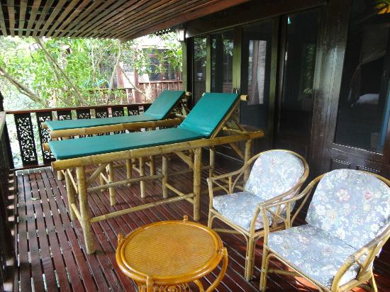Charm Churee Villa: Balcony