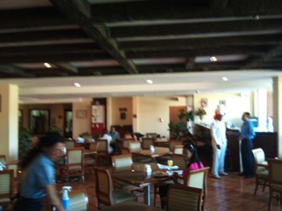 Hodelpa Garden Suites : desayuno