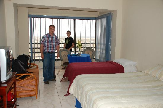 Blue Bay Hotel: Our room