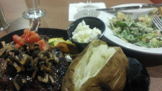 Holiday Inn Dallas Market Center: The prime rib dinner looks great, but something was missing.