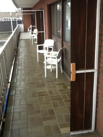 Hotel Senator: Trennwände zwischen den Balkons Fehlern 