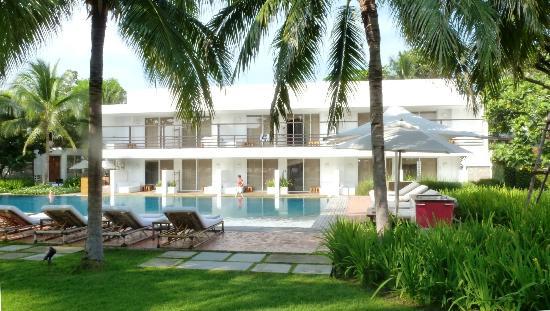 Putahracsa Hua Hin: Une des trois piscine de l'hôtel
